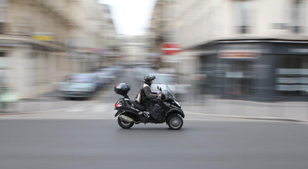 paris-vespa