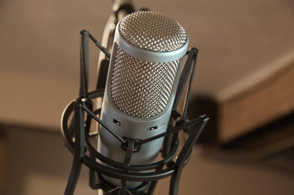 speech-to-text-microphone